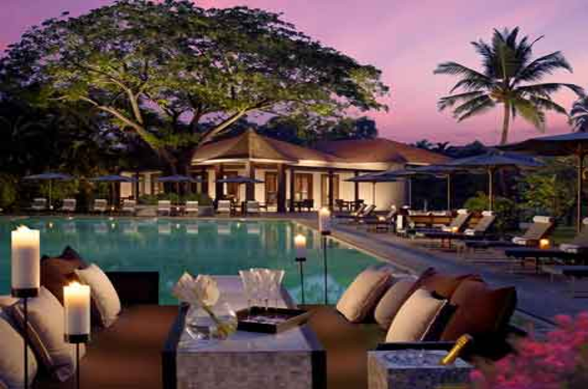 pool-side-bar-in-goa